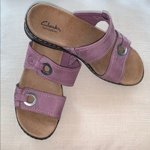 EUC Clark's mauve sandals w/silver hardware
